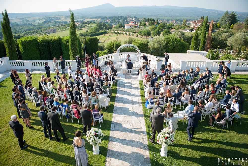 Matrimonio civile: dove celebrarlo, chi può officiarlo e quali sono le caratteristiche di un rito non religioso